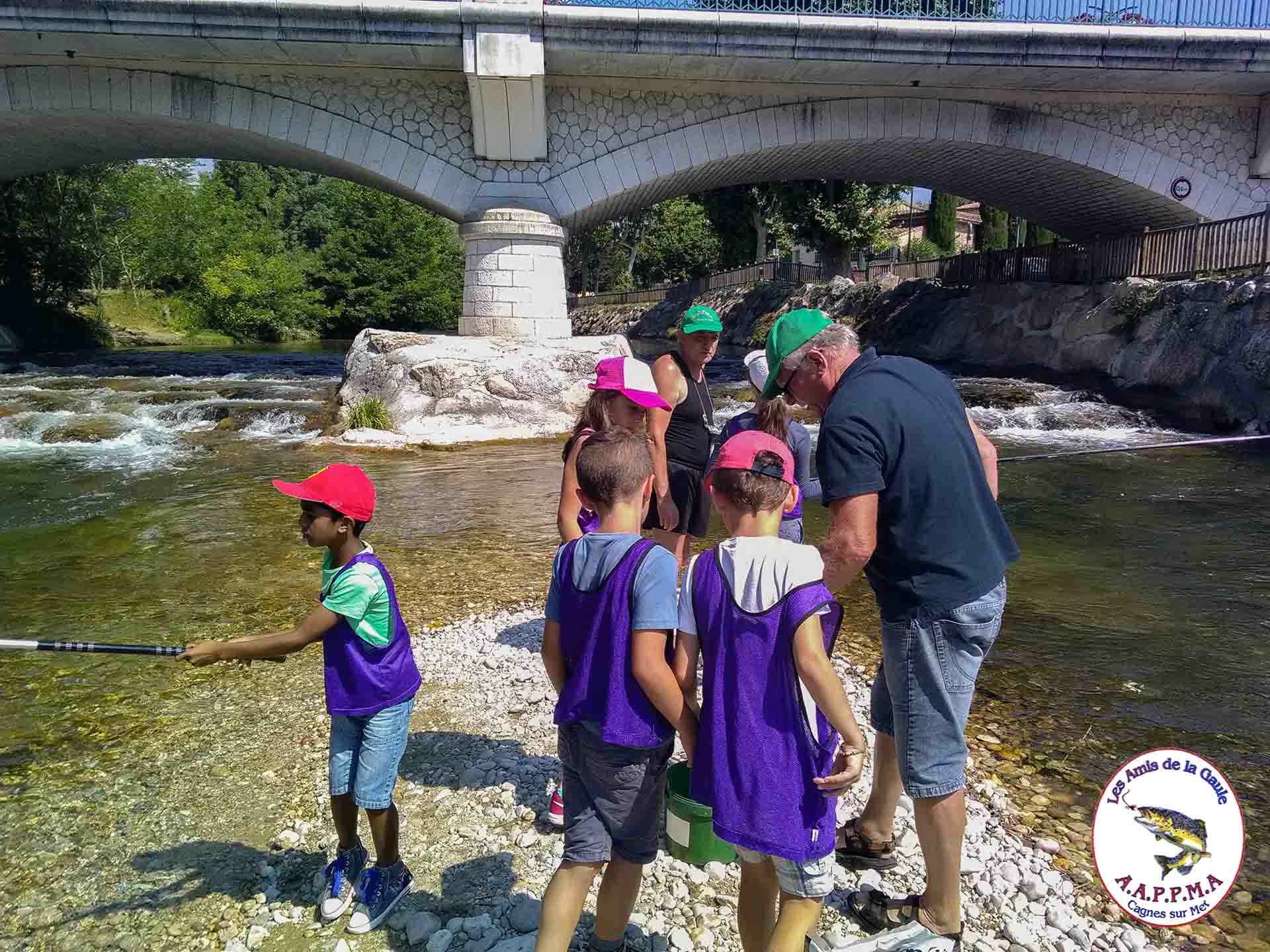 Sortie scolaire pêche pour les école primaire